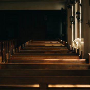 Apostazja czyli jak wystąpić z kościoła katolickiego Poznaj procedurę i skutki